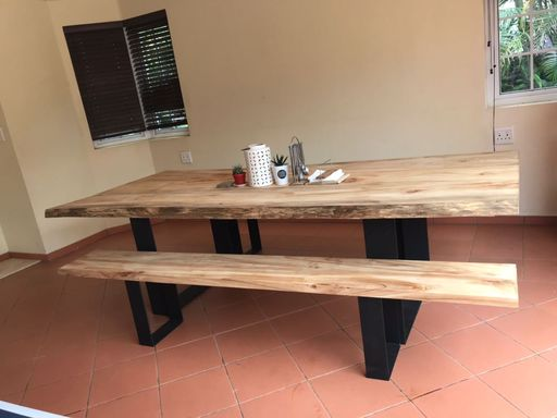 table-and-bench-25m